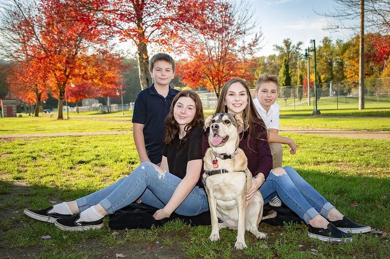 5 Reasons You Should Book a Fall Family Photoshoot | Photos by Cheryl