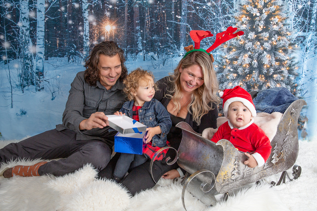 Holiday Events You Should Get Professional Photos Taken Of | Photos by Cheryl