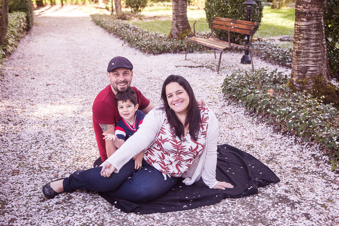 My Favourite Spots for Cherry Tree Family Photo Sessions in Vancouver | Photos by Cheryl