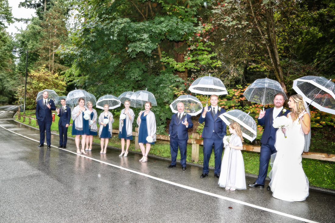How to Plan for a Rainy Weather Photo Session | Photos by Cheryl