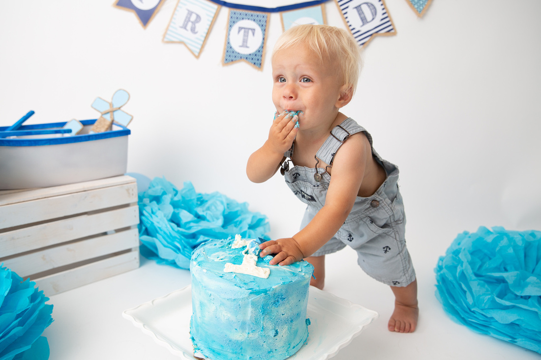 Cake Smash & Splash Photoshoot Tips for Great Results | Photos by Cheryl